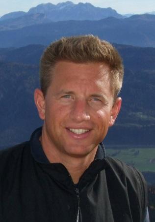 Sven Thoenes